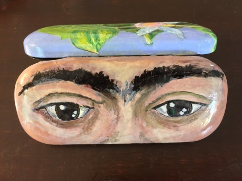 Frida kahlos eyes on this eye glasses case painted with nail polish